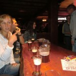 abends in der Bar in Hastings