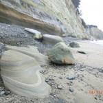 fließende Steine am Strand