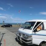 Yanna im Van neben uns aufm Parkplatz