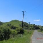 grüne Hügel, schmale Straßen