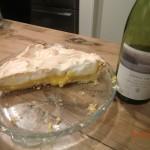 Rest des englischen Lemoncakes und unser Hawkes Bay Billigwein daneben :-/