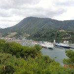 Picton Harbour View mit Interislander und Bluebrige