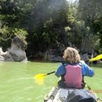 mutige Fotos während der Fahrt in sachten Gewässern