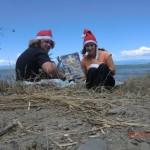 Kalenderausflug 24: des Kalenders letzter Tag mit zwei Weihnachtsmännern am Strand :-)