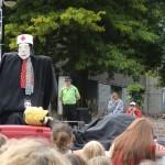 World Buskers Festival 2011 Christchurch: Funny Bones - Zombie-Show! klasse!!!