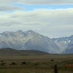 auf der Fahrt: Alpen hinter Steppen