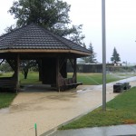 Twizel: Rasensprenger auch bei Regen, die neue Kleinstadt wird gepflegt :-D