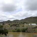 Alexandra: Shaky Bridge und die Uhr in den Felsen