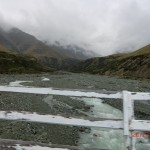 auf der Fahrt zum Mount Cook - zweiter Versuch V (wieder dieser Fluss von der Bruecke aus)