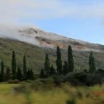 von Queenstown zum Doubtful Sound: die Wolke, welche den Gipfel in frisches Weiß tauchte