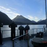 Doubtful Sound Overnight: kalter, klarer Morgen auf dem Fjord