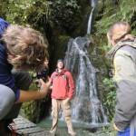 Aki im Wasserfall - nicht ganz so mutig wie Wolfi