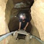 Clifden Limestone Cave: Wolfi auf der Höhlenleiter