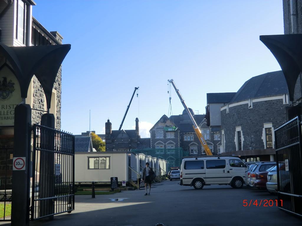 Christchurch nach dem Februar-Beben: Christ College, Unterricht in Kontainern