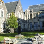 Christchurch nach dem Februar-Beben: Juggler-Statue in Worcester Street steht noch