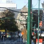 Christchurch nach dem Februar-Beben: Kathedrale ohne Turm und gestürzte Statue