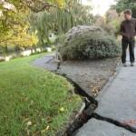 Christchurch nach dem Februar-Beben: Risse im Gehweg entlang des Avon River