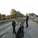 Christchurch nach dem Februar-Beben: Sean und Wolfi auf zerrissener Fahrbahn