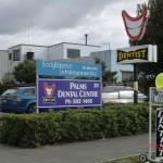 von Christchurch nach Kaikoura... so werben hier die Zahnärzte