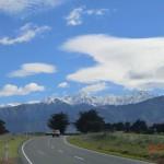 faszinierende Wolke über den Bergen