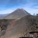 Mount Ngauruhoe und Lavaausgussformationen