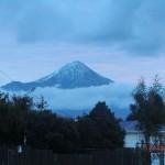 Mount Taranaki ragt über Stratford