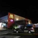 nach Surf-Highway und Taranaki-Umrundung zurück in New Plymouth: Tini bloggt im McDoof, Wolfi lernt CCR im Auto