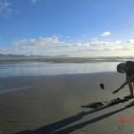Te Puia Hot Springs Strand: er schaufelt