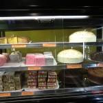 Blick in die Theken eines Bäckers II