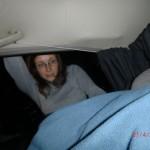 vorletzte Nacht in der blinkenden, leeren Joy (vor City Garden Lodge): Na los, Tini!