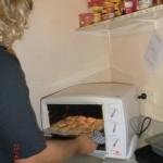 schöner Koch-Back-Regentag mit Katja-Kerstin, Anne und Deniz: Wolfi holt die Cookies raus!