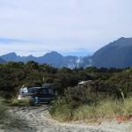 und am Morgen - unser Schlafplatz am Haast Beach, Aki und Lennart auch da