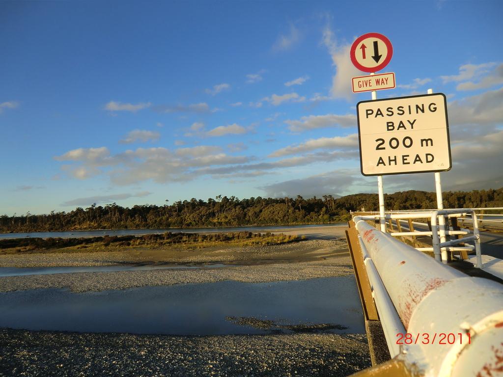 die längste einspurige Brücke Neuseelands, hinter Haast