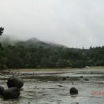 aufsteigende Dunstschwaden in den Hügeln des Hinterlandes