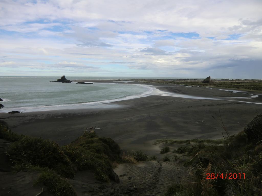 traumhafter Whatipu Beach am Vormittag V