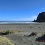 Piha Beach mit Lion Rock