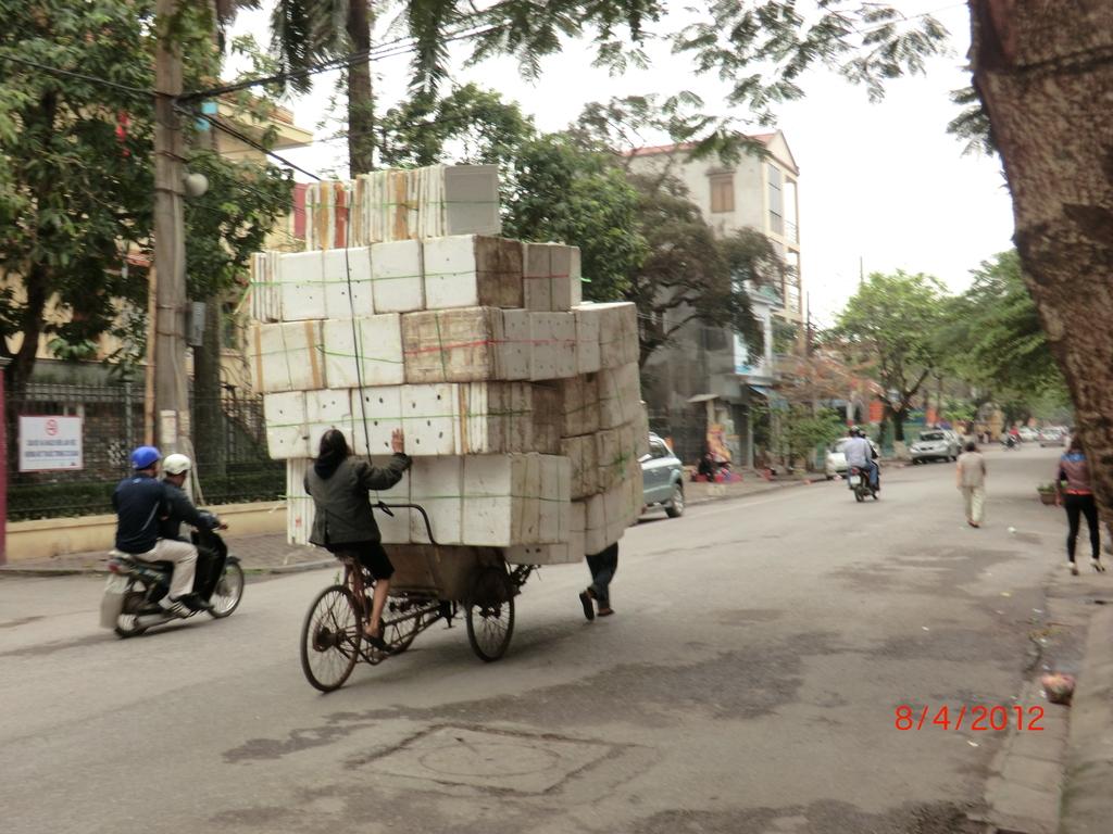 ein Bepackter in Haiphong